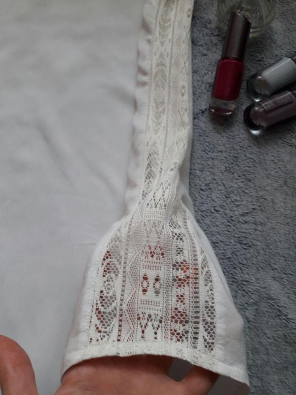Нарядна ніжна блуза з мереживом clockhouse фото №3