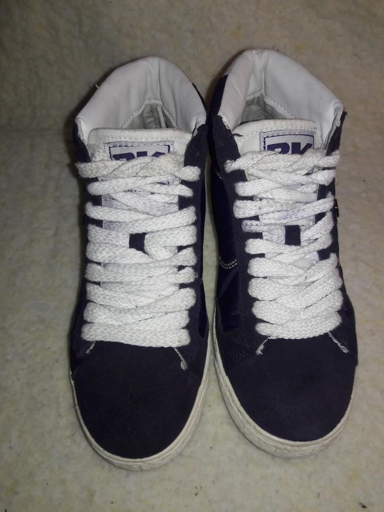 Фирменные замшевые кроссовки. фото №2