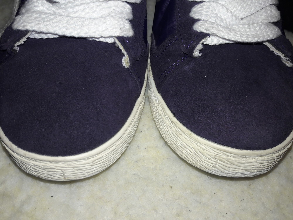 Фирменные замшевые кроссовки. фото №3