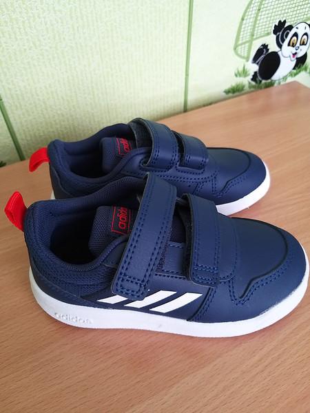 Кроссовки adidas 24 р фото №1